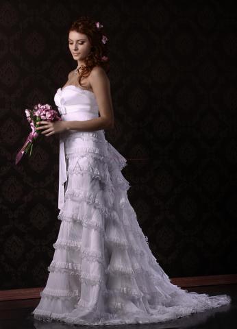 свадебное платье А- силуэта.